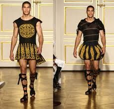 Okay, so I've been wondering…where are all the Gladiator sandals for men? I mean Gladiator sandals are such a commodity for women, and now it's cro… Fashion Sewing, Fashion Art, Fashion Outfits, Roman Man, Egyptian Fashion, Man Skirt, Historical Costume, New Image, Menswear