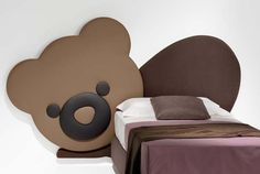 Pannello imbottito a forma di #orsetto per parete cameretta. #testiera #interiordesign #teddybear