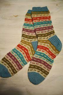 käsveskan kätköistä Sock Knitting, Wool Socks, Mittens, Slippers, Cowls, Knits, Creative, Crafts, Craft Ideas