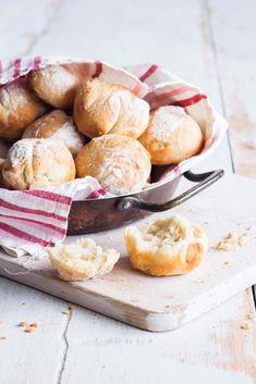 Rapeat peltisämpylät | Maku Savoury Baking, Bread Baking, Our Daily Bread, Swedish Recipes, Pretzel Bites, Food Inspiration, Baked Goods, Camembert Cheese, Vegan Recipes