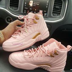 8 Peaceful Tips: Puma Shoes Rihanna jordan shoes poster.Platform Shoes Espadrilles new balance shoes for men.New Balance Shoes For Men. Jordan Shoes Girls, Girls Shoes, Jordans Girls, Outfits With Jordans, Jordan Outfits, Womens Jordans, Retro Jordans, Sneakers Mode, Sneakers Fashion