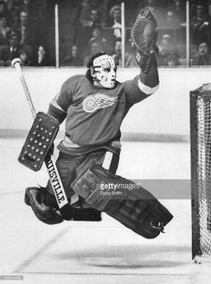 Man on the firing line Detroit Red Wings goalie Jim Rutherford streches for puck in game at Gardens Rutherford missed puck but it went over net Leaf. Hockey Gear, Hockey Goalie, Hockey Games, Hockey Players, Ice Hockey, Hockey Stuff, Hockey Pictures, Sports Pictures, Nhl