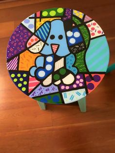 Idea Painting Old Furniture, Funky Painted Furniture, Painted Chairs, Rock Crafts, Crafts To Do, Funky Chairs, Wooden Art, Barn Quilts, Pottery Painting
