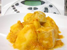 El marmitako thermomix es una receta tradicional de la cocina vasca. Un guiso a base de patatas, cebolla, tomate, pimiento y bonito del norte o atún fresco.