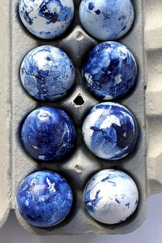 Make these DIY indigo inspired easter eggs