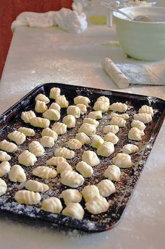Homemade GnocchiMade with leftover mashed potatoes. - gnocchi made from left over mashed potatoes - Leftover Mashed Potatoes, Mashed Potato Recipes, Potato Cakes, Cheesy Potatoes, Baked Potatoes, Potato Pasta, Cooking Recipes, Healthy Recipes, Skillet Recipes