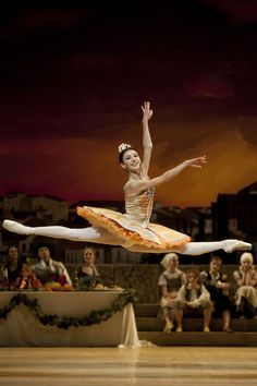 Victoria Ananyan in the Dutch National Ballet's Don Quixote. Photo by Angela Sterling.