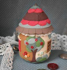 маленький домик из полимерной глины домик на баночке