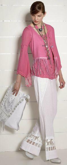 Diamond Cowgirl ~ Daniela Dallavalle Design - by Elisa Cavaletti - SS Unique Fashion, Daily Fashion, Indian Fashion, Spring Fashion, Fashion Design, Fashion 2016, Fashion Details, Street Fashion, Pink Outfits