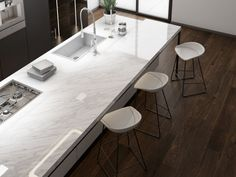 Cerámicos y porcelánicos saludables Conference Room, Dining Table, Furniture, Villas, Home Decor, Decorating Kitchen, Kitchens, Natural Materials, Home