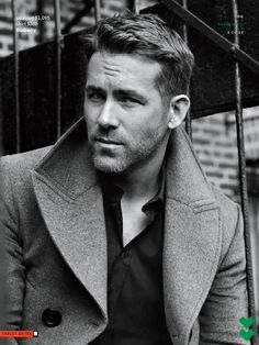 Ryan Reynolds - Canadian-American actor, comedian, film producer and screenwriter. Chris Williams, Ryan Reynolds Deadpool, Ryan Deadpool, Blake Lively Family, Kino Film, Columbia, Los Angeles County, Male Magazine, Actor Model