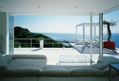 Google Image Result for http://cdn.home-designing.com/wp-content/uploads/2010/02/ocean-view-houses.jpg