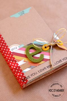 Hobby Charter - The blog: mini album Elisa 2012 by Fiorella; love the closure on this little album!
