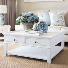 What is Hampton's Style? Hampton's Style Interiors & Decorating For Australian Homes Die Hamptons, Hamptons Style Decor, Hamptons Style Bedrooms, Hamptons Living Room, Living Room Decor, Oversized Coffee Table, White Coffee Tables, Square Coffee Tables, Decorating Coffee Tables