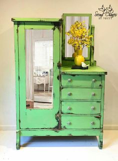 Latest Snap Shots Shabby Chic Furniture green Thoughts Not so some time past, interior design was information on cold, gloomy minimalism. It matched the days, creat Green Furniture, Paint Furniture, Furniture Styles, Furniture Makeover, Furniture Decor, Shabby Chic Furniture, Vintage Furniture, Buffets, Diy Furniture Tutorials