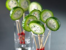 Cake pops facile Cake Pops Cucumber with cheese, simple, fast and cheap: recipe of Cuisine Actuelle Snacks Für Party, Appetizers For Party, Appetizer Recipes, Party Recipes, Salad Recipes, Tapas, Fingers Food, Food Decoration, Appetisers