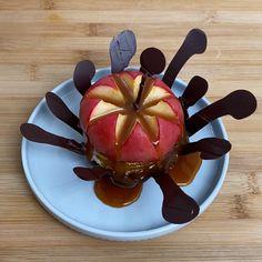 Recette LE FLAN AUX COURGETTES FARCIES et autres recettes Chefclub original   chefclub.tv Chocolate Apples, Chocolate Shells, Raw Chocolate, Chocolate Recipes, Mini Apple Tarts, Cheddar, Chefs, Small Oven, Big Mac