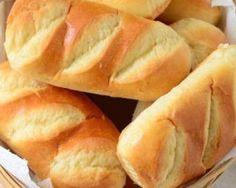 Pains au lait minceur : http://www.fourchette-et-bikini.fr/recettes/recettes-minceur/pains-au-lait-minceur.html