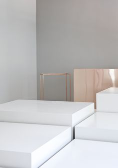 Menu Concept Store by Norm Architects. Mixing block white with copper metallics. Concept Shop, Concept Stores, Retail Interior, Retail Space, Commercial Interiors, Home Decor Furniture, Retail Design, Interiores Design, Store Design