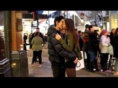 Lustige Videos ★ 15 Jahre alt Küssen Mädchen in London