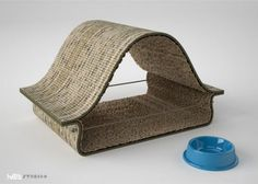 Tired of spending a ton of money on cat toys? Be kind to the environment and love your cat by creating a cat bed from old carpet tiles! Diy Carpet, Carpet Tiles, Sisal Carpet, Diy Cat Bed, Living With Cats, Image Chat, Carpet Samples, Pet Furniture, Cat Accessories