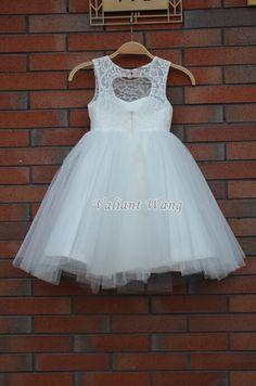Belle dentelle Ivoire fleur fille robe mariage bébé par Valiantwang