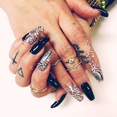 Images and videos of long nails Sexy Nails, Classy Nails, Dope Nails, Fancy Nails, Bling Nails, Stiletto Nails, Fabulous Nails, Gorgeous Nails, Pretty Nails