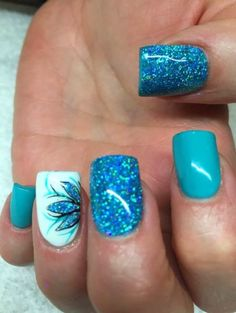 90+ Beautiful Glitter Nail Designs to Make You Look Trendy and Stylish - Page 9 of 84 - Nail Polish Addicted