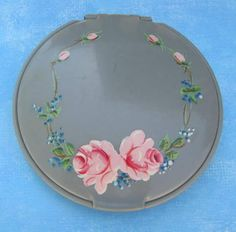 Rho-jan Loose Powder Compact with Painted Roses.