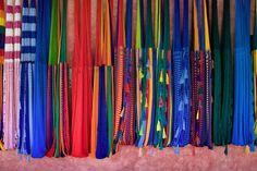 Si vas de visita a #Ixtapa y #Zihuatanejo, una de las mejores actividades para aprovechar tu viaje es ¡salir de compras! Sal a dar la vuelta para conocer mucho de la cultura local.