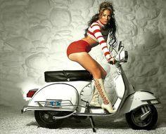 Jennifer Lopez Vespa Pin-Up Scooters Vespa, Piaggio Vespa, Lambretta Scooter, Motor Scooters, Scooter Motorcycle, Motorcycle Girls, Scooter Girl, Vespa Girl, Hd Vintage