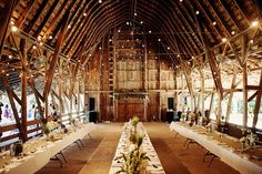 Lied Lodge Barn, Nebraska City. Gorgeous set up for a venue!