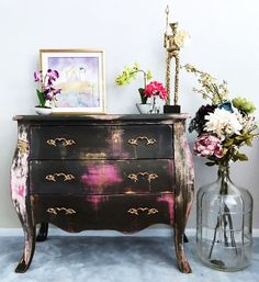Best Painted Furniture In A Range of Colours - Diy Furniture Teens Ideen Hand Painted Furniture, Funky Furniture, Paint Furniture, Repurposed Furniture, Furniture Projects, Furniture Making, Furniture Makeover, Furniture Decor, Rustic Furniture