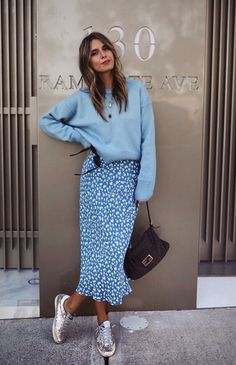 Street Style Summer Fashion: Get The Look - - Street Style Summer Fashion: Get The Look Fashion Outfits-summer clothes-clothes-fashion outfits-summer fashion. Fashion Mode, Work Fashion, Fashion 2020, Fashion Clothes, Spring Fashion, Autumn Fashion, Fashion Dresses, Womens Fashion, Fashion Trends