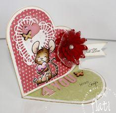 Heute hatte ich Bastelbesuch von der lieben Ivi. Wir hatten uns fest vorgenommen etwas aus der neuen Herz Geschenkboxstanze von Whiff ...