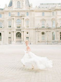 A Romantic Paris Wedding Inspiration Parisian Wedding Dress, French Wedding Dress, Paris Wedding, Wedding Dresses, Bridal Gowns, Wedding Photography Inspiration, Wedding Inspiration, Intimate Photography, Film Photography