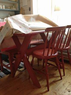 Svenngården: Før og etter: #prosjektGjerde - Kjøkken Drafting Desk, Table, Furniture, Home Decor, Homemade Home Decor, Tables, Home Furnishings, Interior Design, Home Interiors