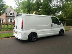 Lowered Vivaro on Tiger claws Automobile, Day Van, Van Car, Car Camper, Cool Vans, Custom Vans, Campervan, Ford, Van Life