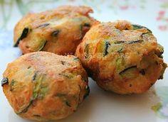 Le polpette di pane e zucchine sono una variante ricca e gustosa alle solite polpette di pane.Una ricetta economica,ideale per far gustare ai bimbi le verdure