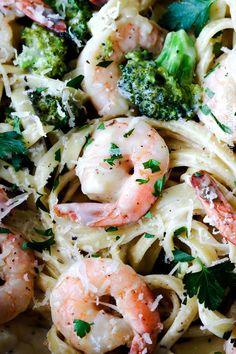 30 Minute Roasted Shrimp and Broccoli Fettuccine Alfredo (Lightened up ...