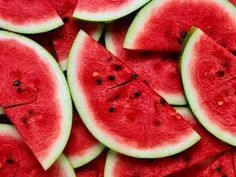 Watermelon is a delicious and refreshing fruit that's also good for your health. Watermelon is a special kind of berry. The fruit contains Fruit And Veg, Fruits And Vegetables, Fresh Fruit, Juicy Fruit, Fruit Food, Watermelon Benefits, Watermelon Nutrition, Kid N Teenagers, Wtf Fun Facts