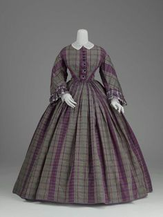 This may be my favorite dress from this era. <3 Day dress, ca 1859-61 France, MFA Boston