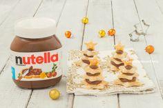 Gli alberelli di sfoglia con Nutella® sono dei dolcetti facili e velocissimi da preparare, si fanno in pochi minuti e con 3 ingredienti, perfetti per Natale