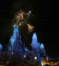 The Very Best Places to View Disneyland Fireworks Disneyland California, Disneyland Resort, Fireworks, Walt Disney, Have Fun, Magic, Places, Travel, Viajes