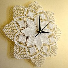 Time Piece crocheted wall clock white by HeliCreations on Etsy, Crochet Wall Art, Crochet Home, Easy Knitting Patterns, Crochet Patterns, Handmade Kids Bags, Doily Art, Crochet Table Runner Pattern, Intarsia Knitting, Cross Stitch Pattern Maker