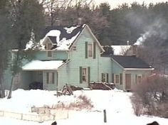 The farm house where Alec and his family live. on Road to Avonlea series Road To Avonlea, Family Christmas Movies, Christmas Gift Decorations, Prince Edward Island, Anne Of Green Gables, Winter Wonder, Cozy House, The Great Outdoors, Beautiful Places
