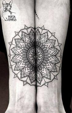 Mirja tem um estilo totalmente inspirado na geometria sagrada. São desenhos de simetrias perfeitas, mandalas, animais cheios de simbologia e padrões na pele criados de acordo com a história de cada cliente. Confira um pouco sobre o seu belíssimo trabalho