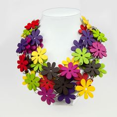 Necklace with wooden flowersromanticC483gift for
