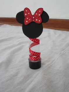 would make cute barrettes Minnie Mouse Theme Party, Mickey Mouse Bday, Red Minnie Mouse, Mickey Mouse Clubhouse Birthday, Minnie Birthday, Mickey Party, Mouse Parties, Red Birthday Party, Disney Princess Party