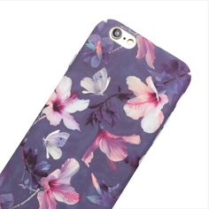 The beautiful Romantic Watercolor Floral case adds a feminine touch to your phone. The matte finish case covers the entire back of your phone with a scratch resistant design. This slim fit case snaps